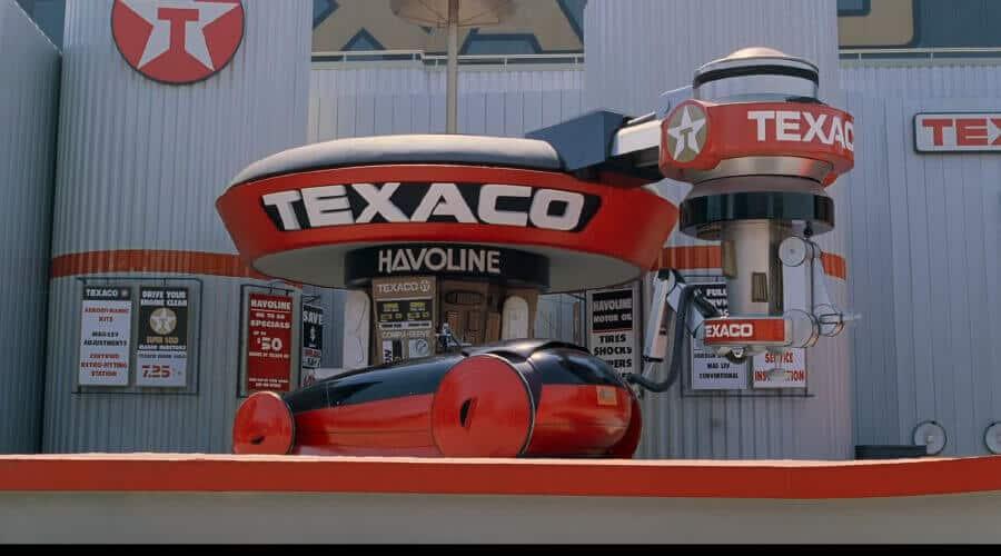Texaco logo in BTTF2